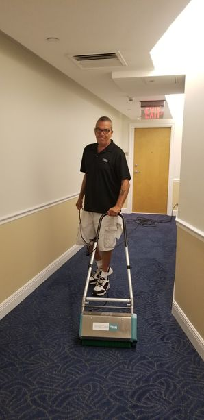 Dry Commercial Carpet Cleaning in Fort Lauderdale, FL (2)